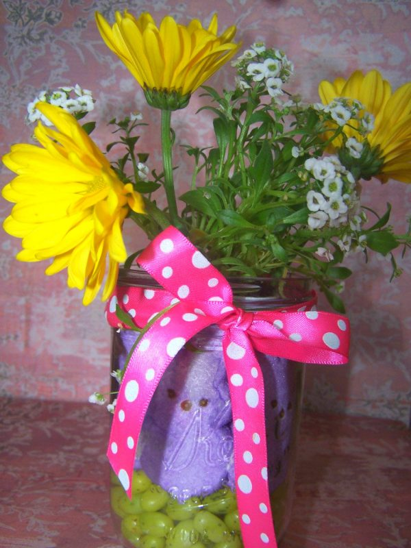 Easy and Affordable Easter Centerpiece