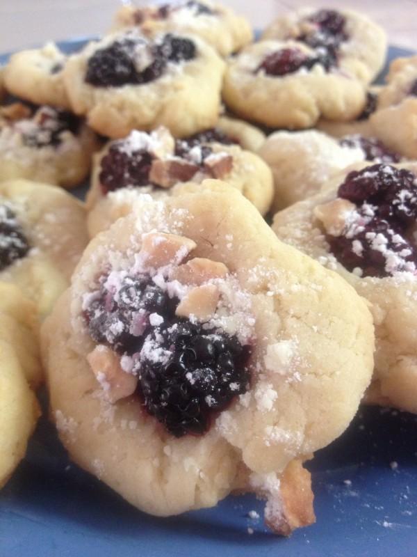 Blackberry Cobbler Cookies
