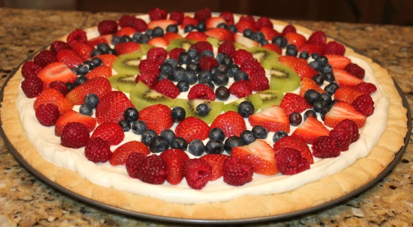 Deep Dish Fruit Pizza - Clever Housewife