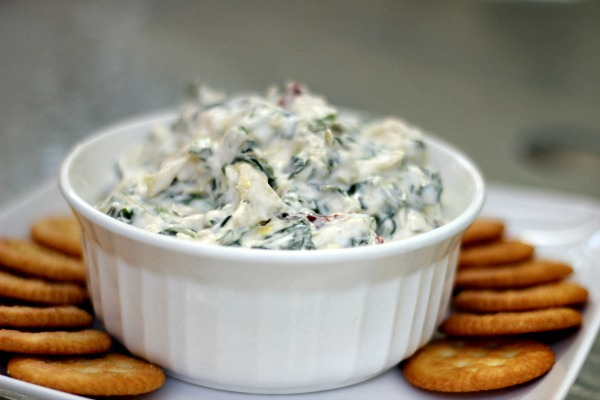"""One Last Taste of Summer"" with MIRACLE WHIP Creamy Spinach & Artichoke Dip for Labor Day"