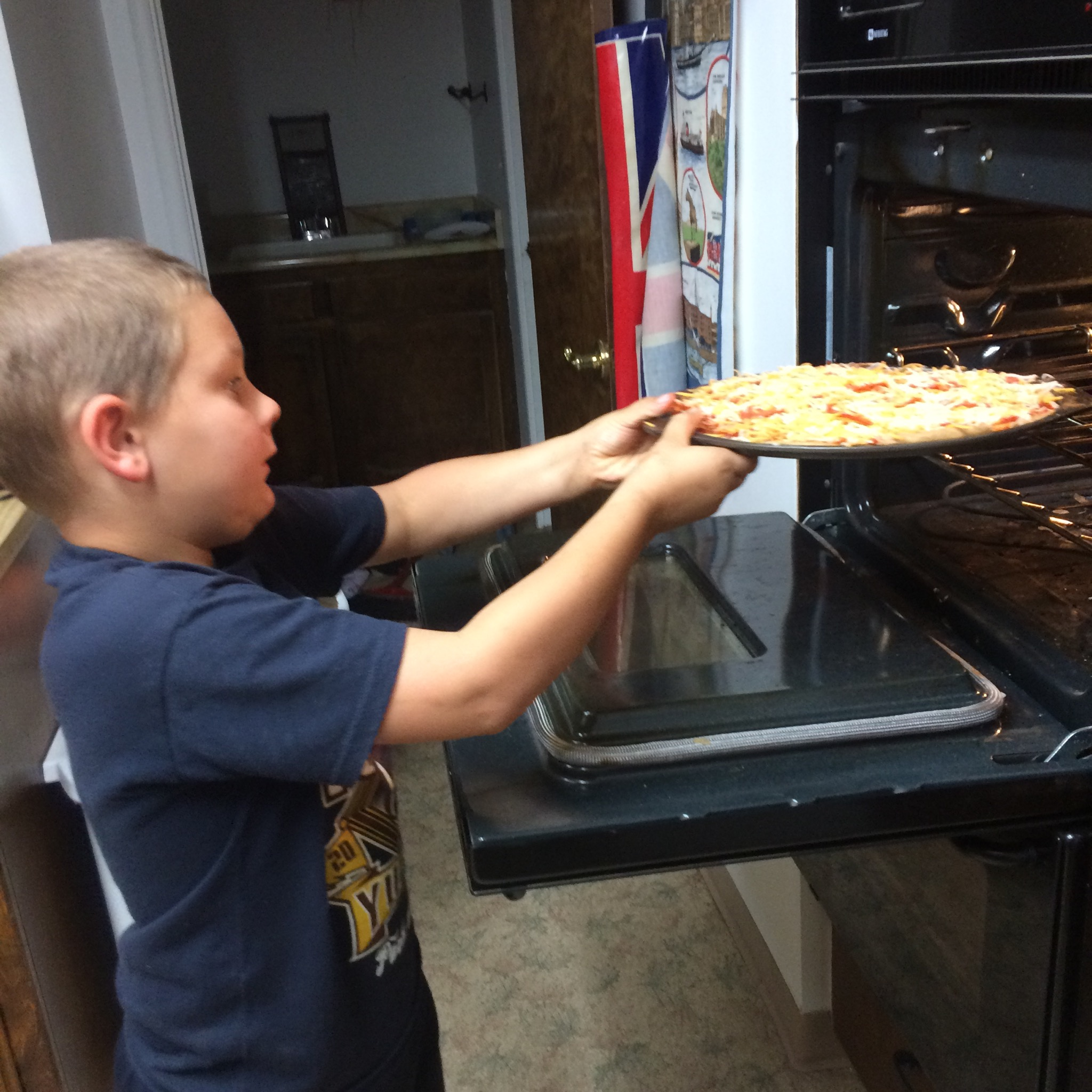 Tips to Teach Kids to Cook Plus Unique Gift Idea for 6-12 Year Olds