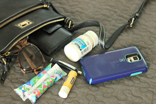 8 Travel Bag Must-Haves