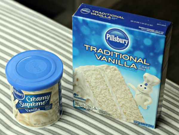 Pillsbury Traditional Vanilla Cake Mix and Frosting