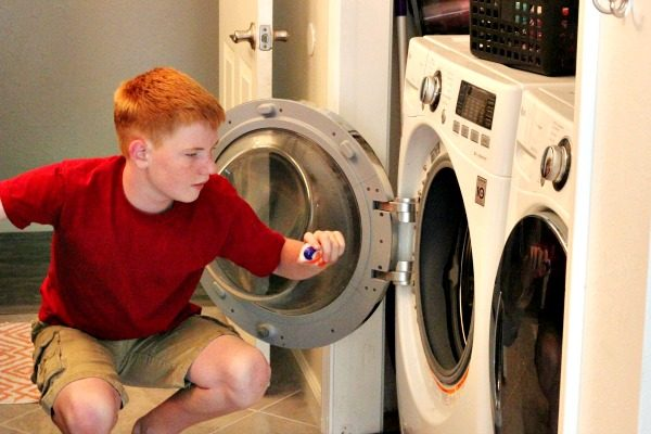 How to Teach Kids to Do Laundry