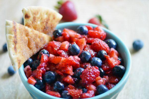 Easy-Berry-Fruit-Salsa-Recipe