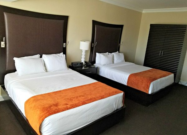 7 Reasons to Make Atlantis Casino Resort Spa Your Girls Getaway Destination