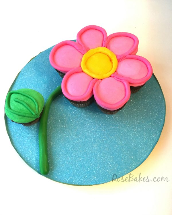 Flower Cupcake Tutorial from Rose Bakes
