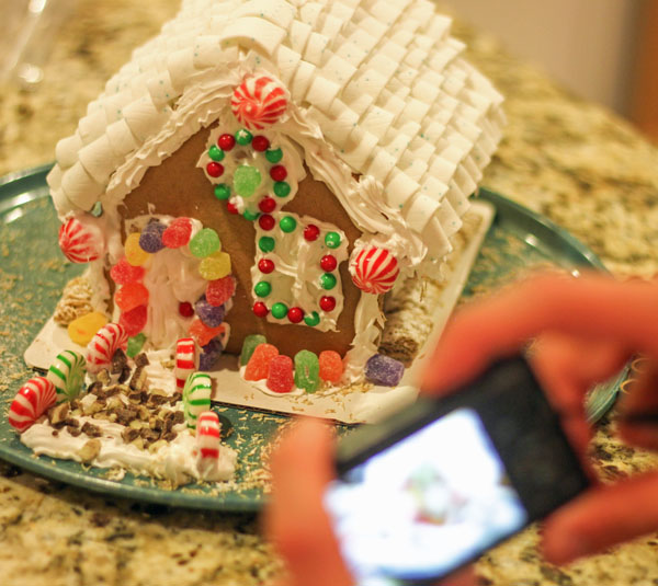 Gingerbread House #GiveExtraGum #shop