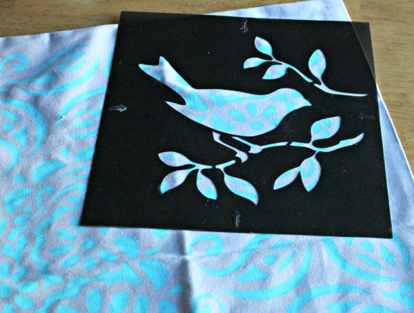 DIY Painted Pillowcase