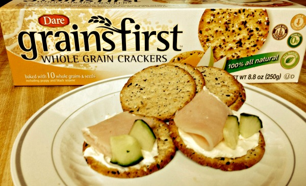 Dare Cracker Snacks with Turkey and Cucumber