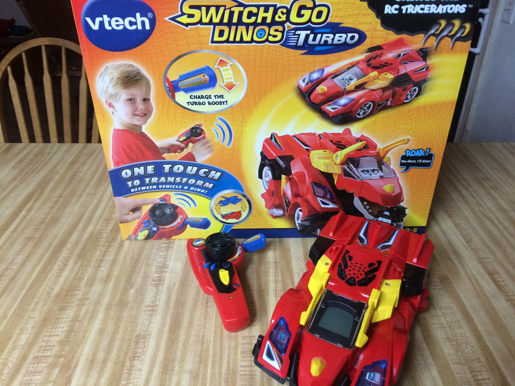 2014 Holiday Gift Guide: Switching Things Up with V-Tech  and Go Dinos + Giveaway