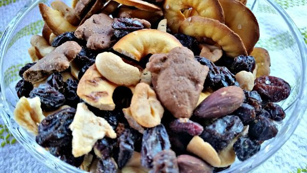 Healthy Trail Mix for Kids