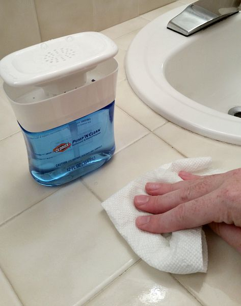 How to Deep-Clean the Bathroom in 8 Steps