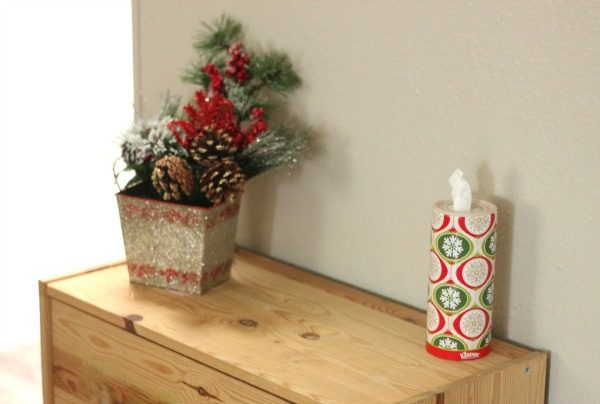 Kleenex® Perfect Fit Holiday Canisters