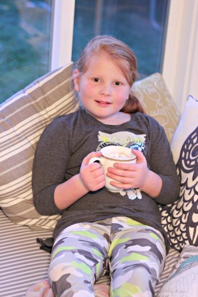 Red Velvet Popcorn & Hot TruMoo Chocolate Marshmallow Milk for family movie night treats