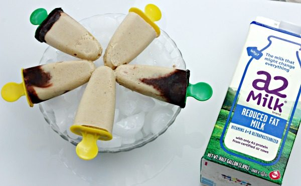 Peanut Butter and Banana Pudding Pops for a cool and refreshing treat
