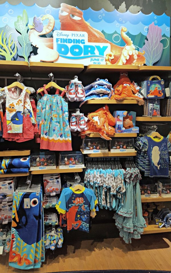 Summer Play Days at Disney Store and Finding Dory Products