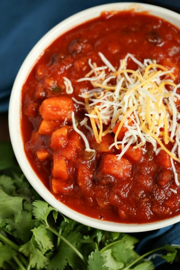 easy-vegetarian-chili-recipe-from-slap-dash-mom