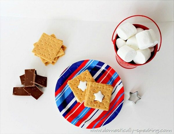 Patriotic Smores from Domestically Speaking